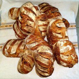 Pâine. Pâine bună. Pâine bună făcută la Cetăţuia