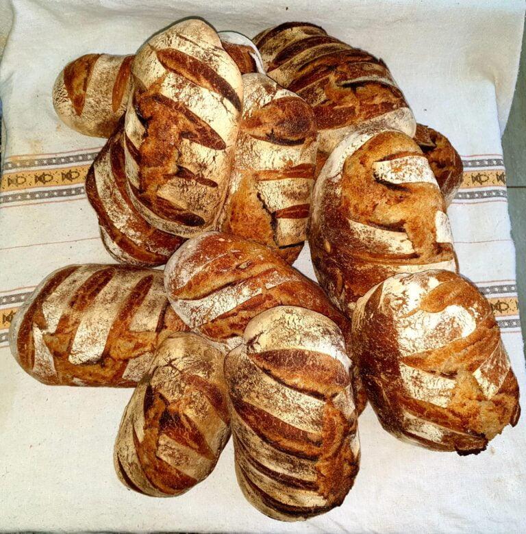 Pâine. Pâine bună. Pâine bună făcută la Cetățuia